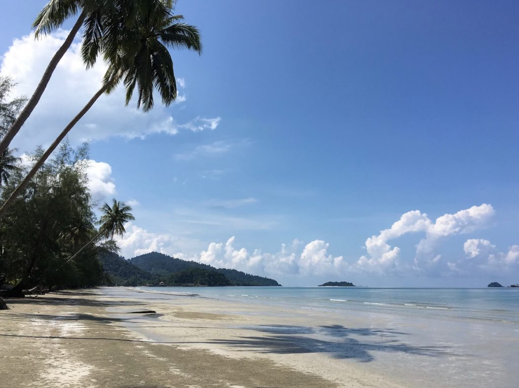 holiday-thailand-koh-chang-beach