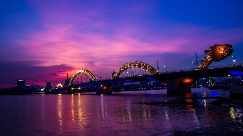 da nang dragon bridge vietnam