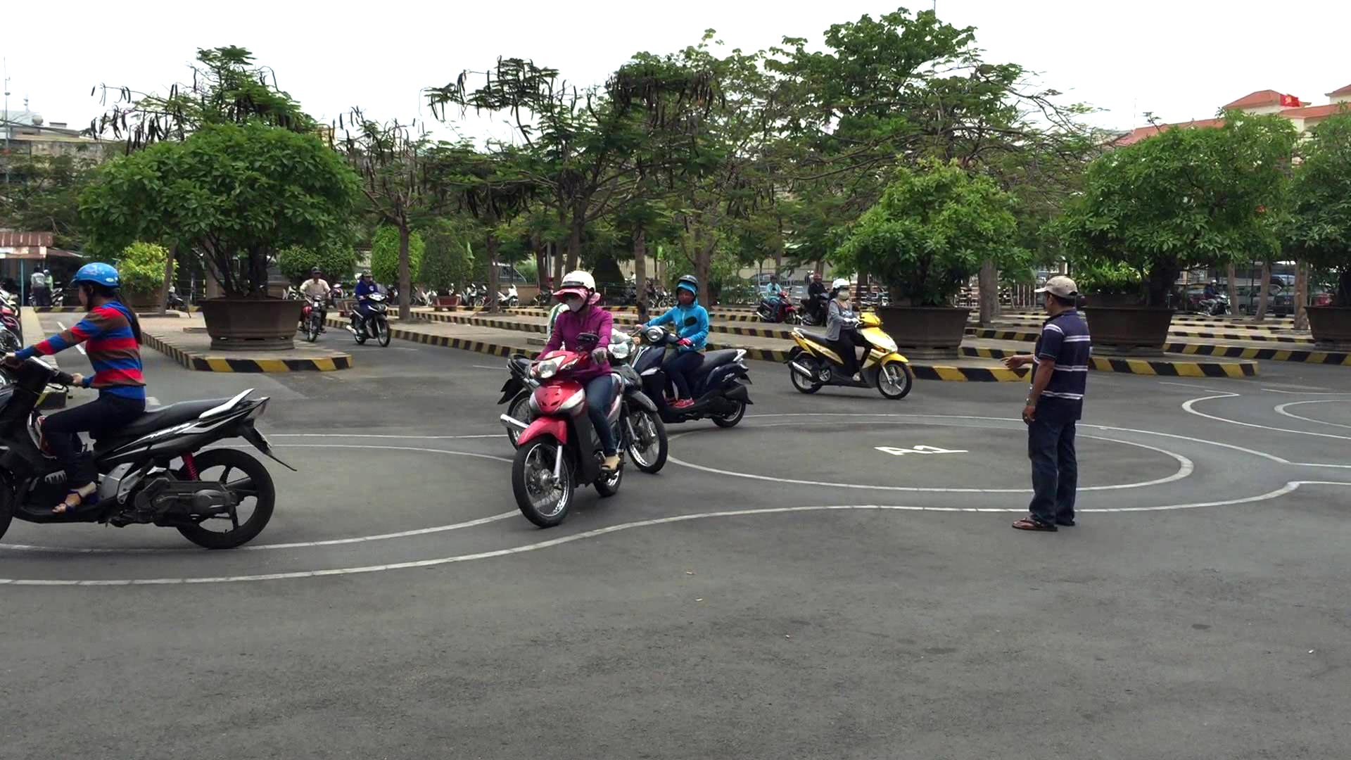 driving licence practical test in vietnam